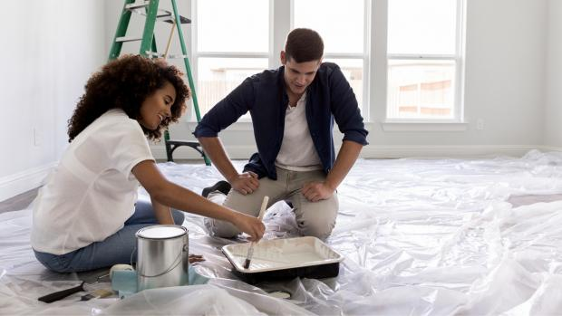 South West Farmer: Prepping your workspace with a drop cloth or plastic covering is a key part of the process. Credit: Getty Images / SDI Productions